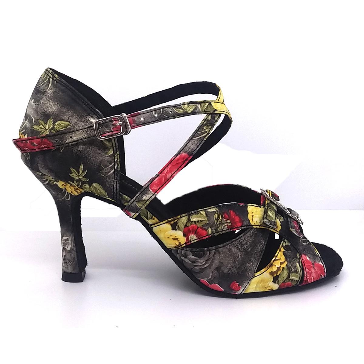 Zapato de baile de flores
